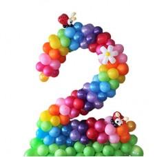 """Цифра """"2""""  из воздушных шариков"""
