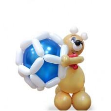 Мишка с мячом