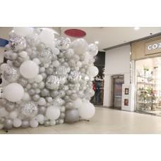 """Фотозона из воздушных шаров """"Белый иней"""""""